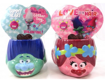 Dreamworks Trolls Trolls 3D Character Mug with Gummy Heart Box